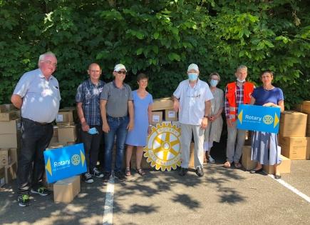 Distribution de produits anti-Covid par le Rotary Quimper-Odet à 5 associations locales.